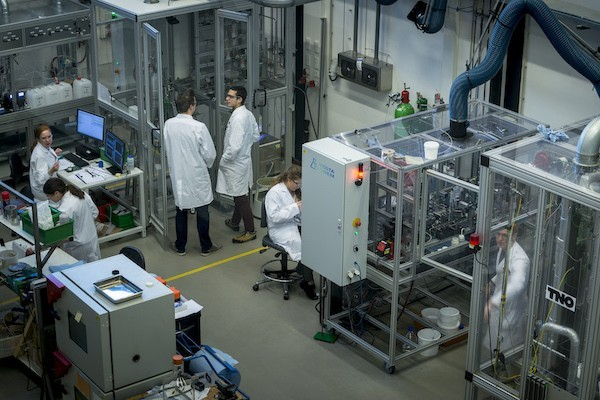 The VoltaChem Delft facilities: fully equipped for dedicated electrochemistry research